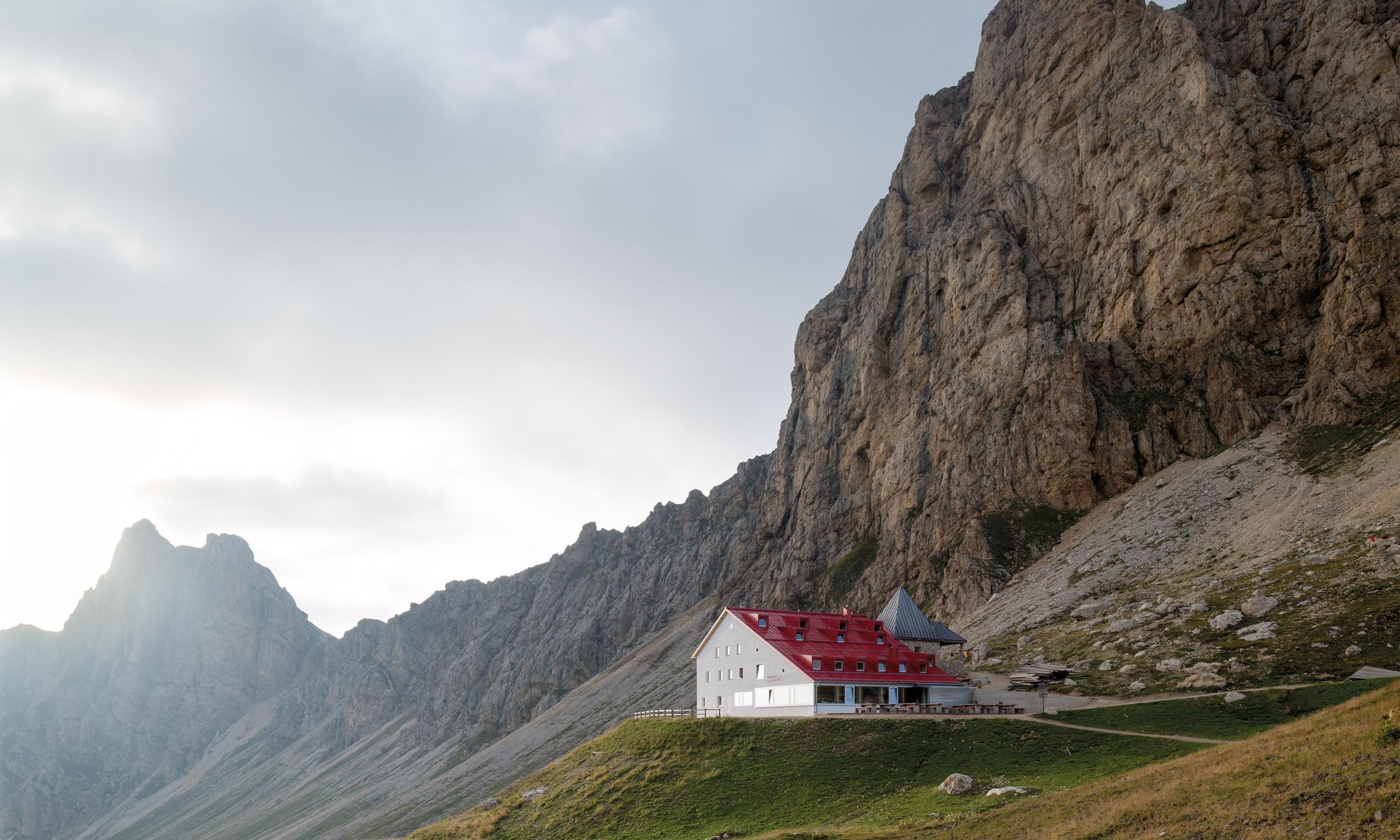 Ristrutturazione e ampliamento rifugio Alpe di Tires